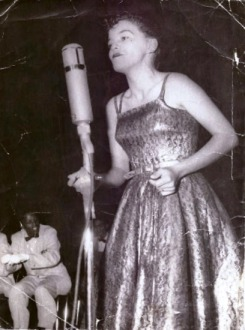 Barbara Thomas on stage in 1952