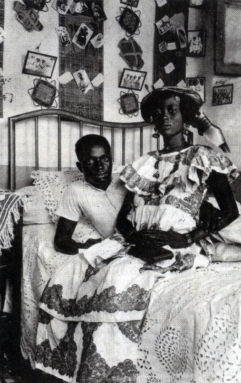 St. Louis ca 1930. Photo Mama Casset, studio African Photo. Courtesy Revue Noire